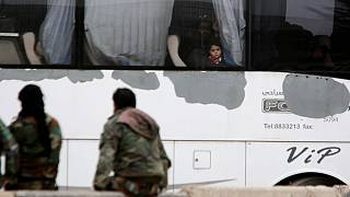 خروج دستهجمعی شورشیان از غوطه شرقی با تسلیم مناطقی به نیروهای بشار اسد