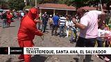 شاهد: شياطين سلفادورية في الشوارع لجلد الناس