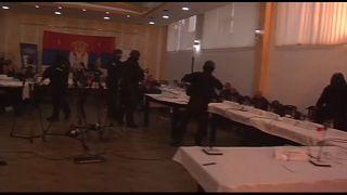 شرطة كوسوفو تهاجم مكان الاجتماع