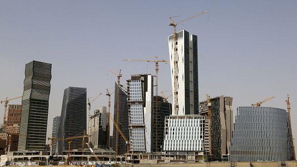 المملكة العربية السعودية تعوض المقاولين مع القطاع الحكومي