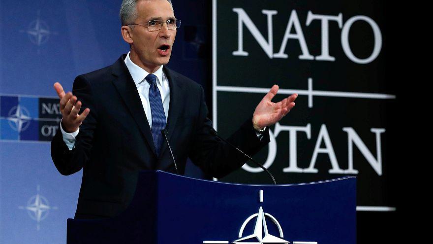 A NATO csökkenti az orosz képviselők számát