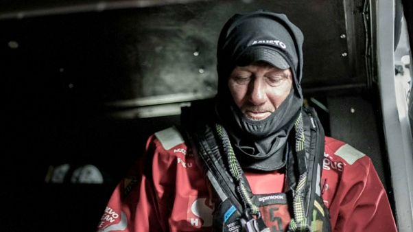 Volvo Ocean Race: sospese le ricerche del velista disperso