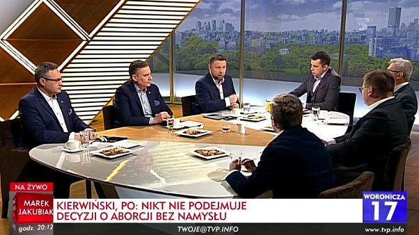 Polonia, sulla TV pubblica si discute di aborto... ma solo tra uomini