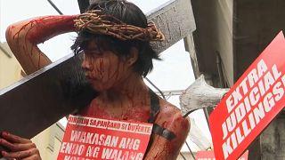 Protesto anti-Duterte inspirado na Semana Santa