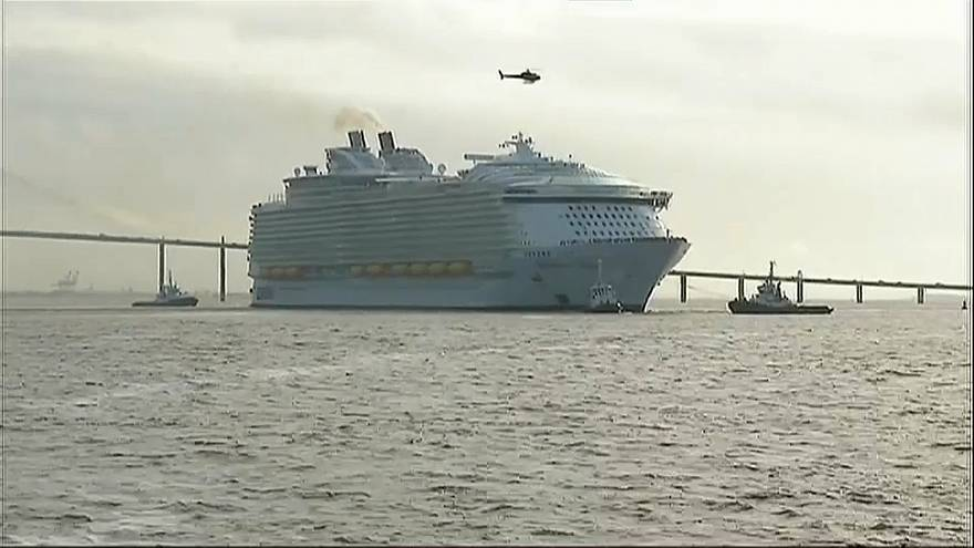 The Symphony of the Seas casts off in Saint-Nazaire