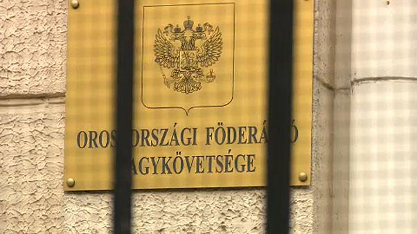 Közös uniós fellépés az orosz diplomata kiutasítása