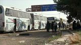تجمع حافلات لإخلاء سكان الغوطة الشرقية قرب دمشق
