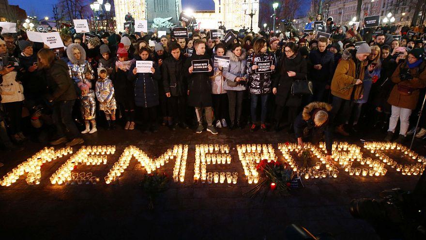 Lágrimas e indignação pela tragédia no centro comercial russo