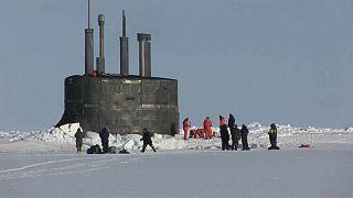 ویدئو؛ لحظه بیرون آمدن زیردریاییهای هستهای آمریکا از زیر یخهای قطبی