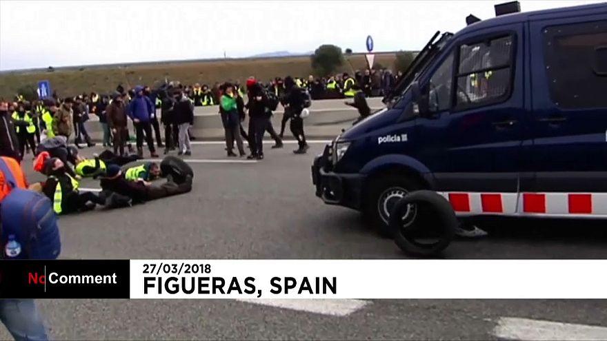 Catalogne : plusieurs routes bloquées par des manifestants pro-Puigdemont