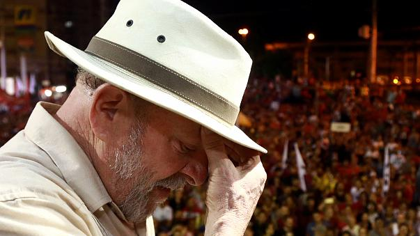 Caravana de Lula da Silva atingida a tiro