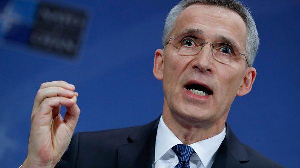 NATO expulsa diplomatas e avisa Rússia para a união da organização