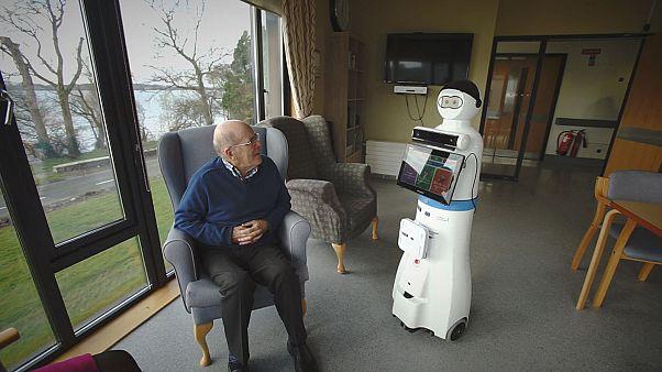 Un robot communicant pour les personnes atteintes de démence