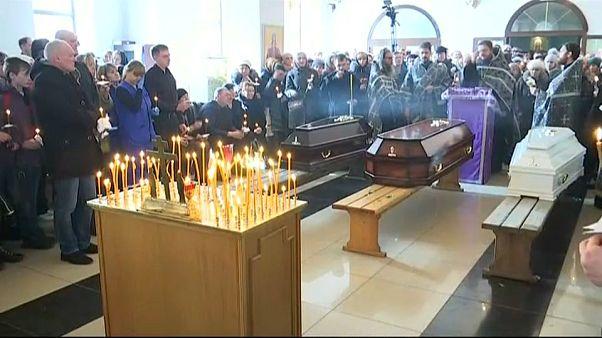 Funerales de víctimas del incendio del centro comercial en Kémerovo