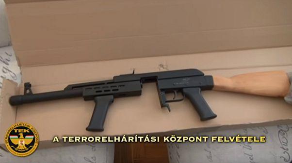 Idegengyűlölő német fegyverkereskedőt kapcsoltak le Magyarországon