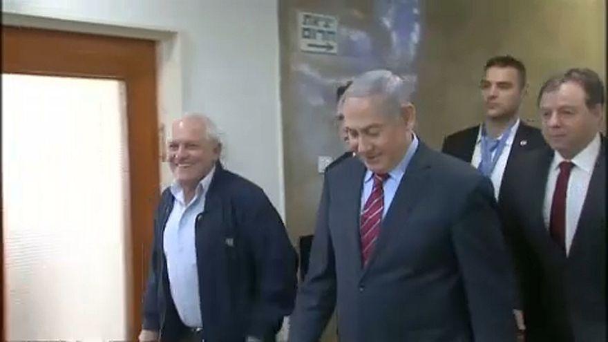 Netanjahu: kihallgatásról kórházba