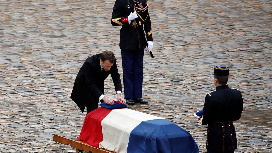 """Il gendarme-eroe, Macron: """"Incarna lo spirito dei francesi"""""""