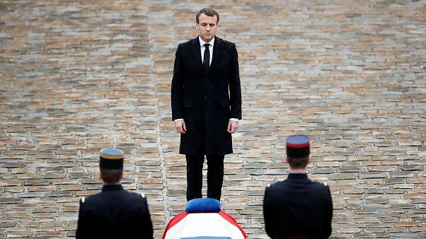 Macron condecorou o guarda que morreu no atentado terrorista