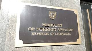 Lituania expulsa a tres funcionarios rusos de su territorio