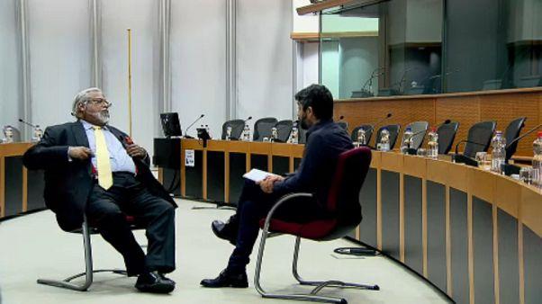 Eurodeputado britânico Nirj Deva entrevistado pela euronews