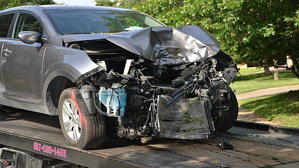 نظام اتصال تلقائي اجباري لإنقاذ حياة السائقين أثناء حوادث الطرقات