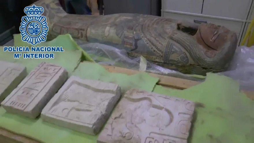 Recuperan piezas de arte robadas en Libia por el Dáesh