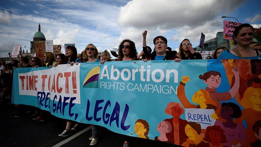 İrlanda kürtaj yasasını 25 Mayıs'ta referanduma sunuyor