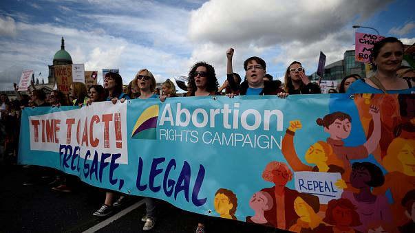 Irland: Referendum über Legalisierung von Abtreibungen am 25. Mai
