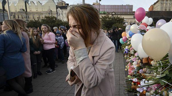 Rusya'da gözyaşı ve dua