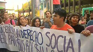 Disturbios en una manifestación estudiantil en Chile