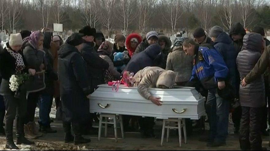 La Russie entre grogne et funérailles