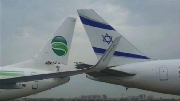 Dos aviones comerciales colisionan levemente en Tel Aviv