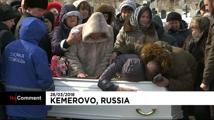 Russland: Trauer um Brandopfer