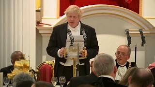 """Boris Johnson az oroszok """"röhejes füllentéseiről"""""""