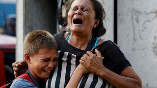 عشرات القتلى في أعمال شغب بمركز شرطة في فنزويلا