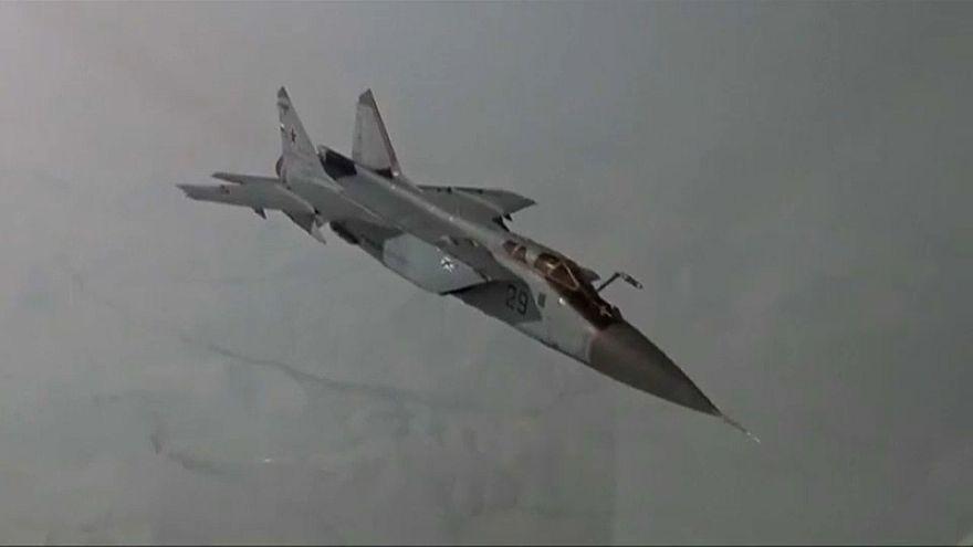 Rússia realiza exercício militar no Polo Norte
