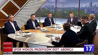 Invités lors d'un débat sur l'avortement à la télévision publique polonaise