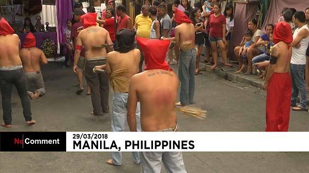 شاهد: فلبينيون يجلدون أنفسهم في إطار الاحتفال بأسبوع الآلام