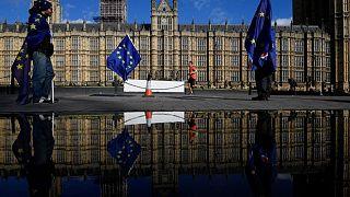 Περιοδεία Μέι στο Ηνωμένο Βασίλειο ένα χρόνο πριν το Brexit