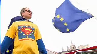 Londons Superhelden: Stoppt Brexit!