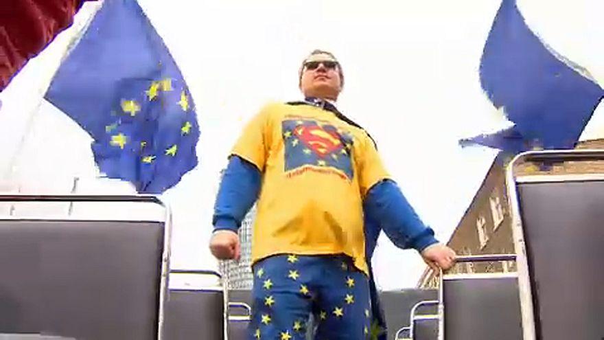 Día del superhéroe anti-brexit