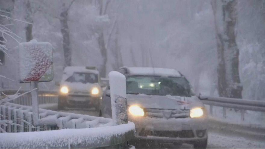 بازگشت زمستان با بارش برف در آلمان و لهستان