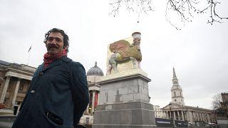 London: Assyrischer Lamassu aus Sirupdosen schmückt Trafalgar Square
