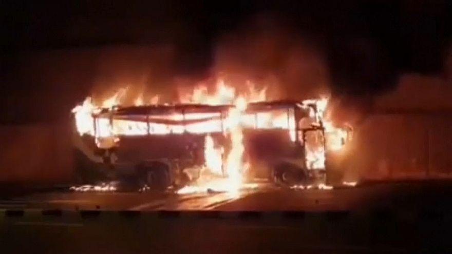 Incêndio em autocarro faz 20 mortos