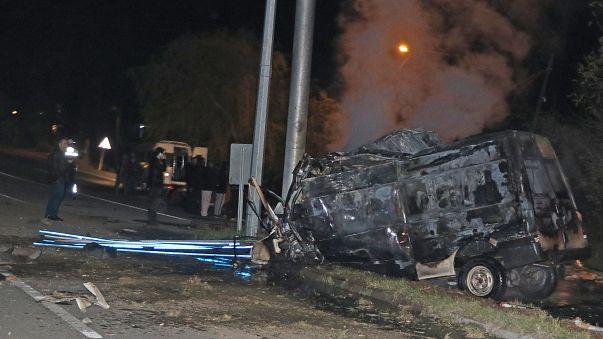 Kaçak göçmenleri taşıyan araç Iğdır'da kaza yaptı: En az 17 ölü