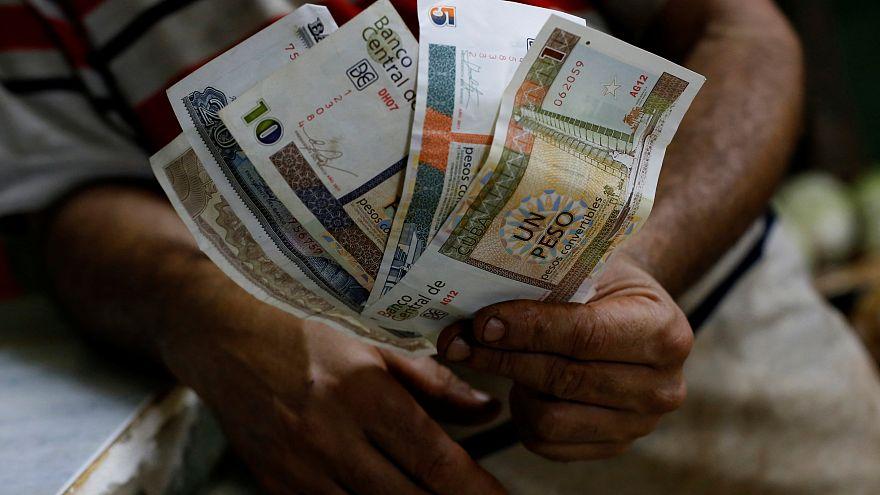 Miedo en Cuba ante los rumores de una inminente desaparición del peso convertible