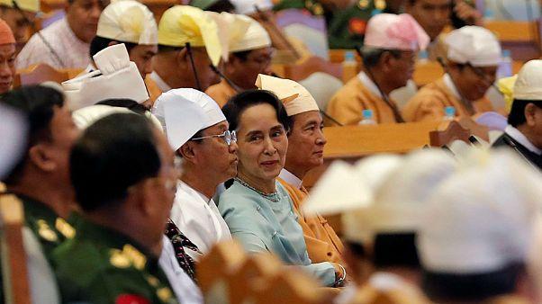 Beiktatták Mianmar új elnökét