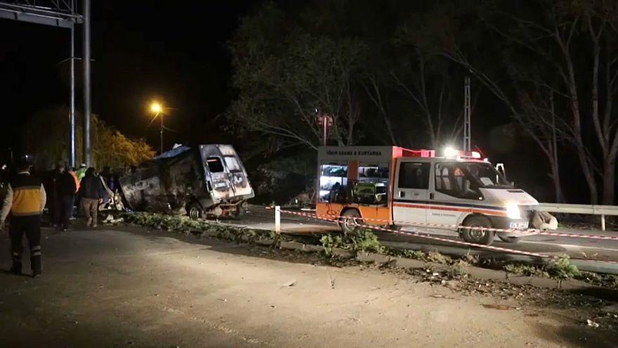 تركيا حادث لحافلة تقل مهاجرين غير شرعيين