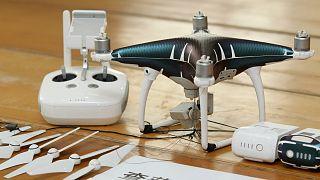 ضبط شبكة لتهريب الهواتف الذكية بواسطة طائرات دون طيار