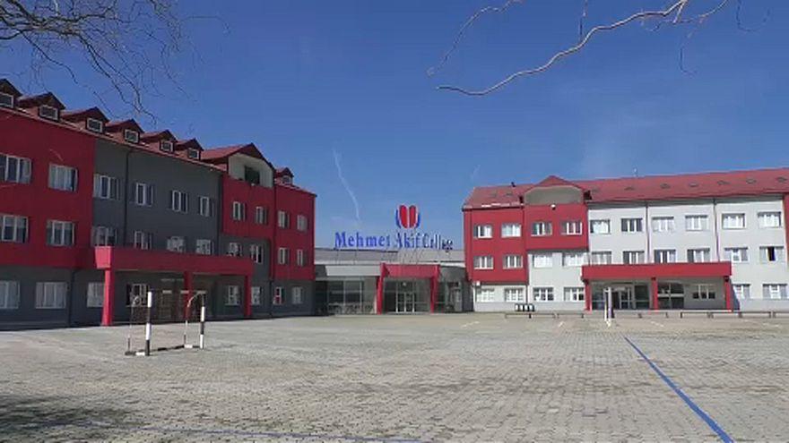 Titokban toloncoltak ki hat törököt Koszovóból